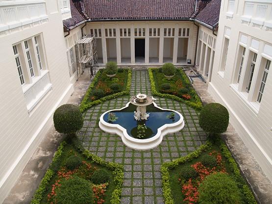 ชวนชมสถาปัตยกรรมเด่น เที่ยวเมืองขนมหม้อแกง เพชรบุรี