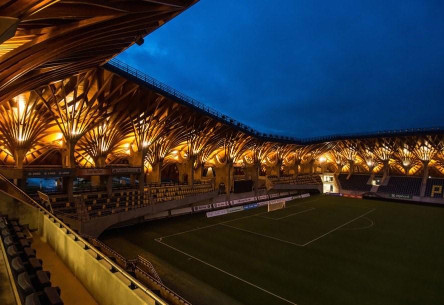 Pancho Aréna สนามฟุตบอลหรืองานศิลปะ