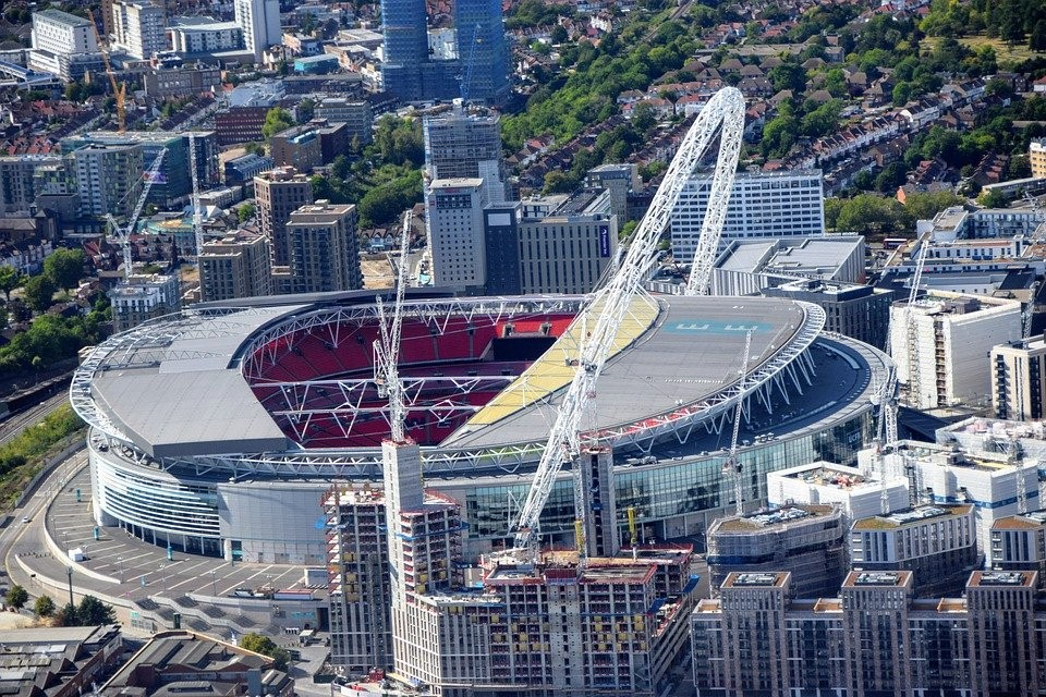 Wembley stadium สนามกีฬาที่ใหญ่ที่สุดในเกาะอังกฤษ